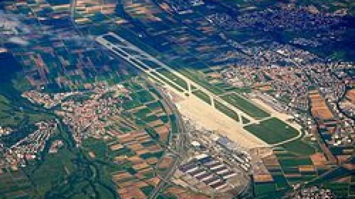 Foto Bandara di Stuttgart  Stuttgart