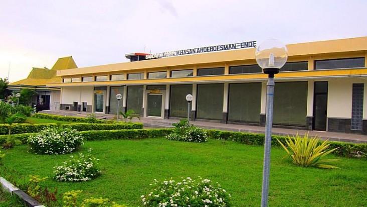 Foto Bandara di H. Hasan Aroeboesman Ende