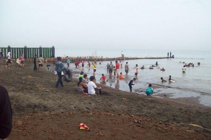 Pantai Sendang Sikucing