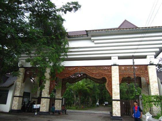 Taman Balekambang