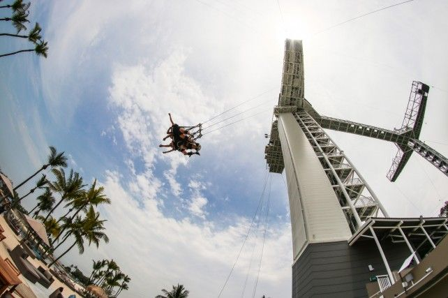 AJ Hackett Sentosa: Bungy Jump, Giant Swing and Vertical Skywalk