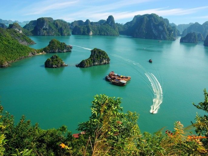 harga tiket Full-day Boat Cruise at Halong Bay with Transfer Services