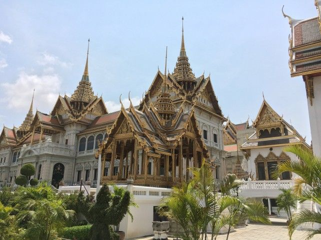 Full-day Walking Tour with Stop at the Grand Palace and Local Street Food Tasting (Lunch at Supatra River House) - Private Tour