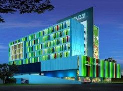 MaxOneHotels at Pemuda