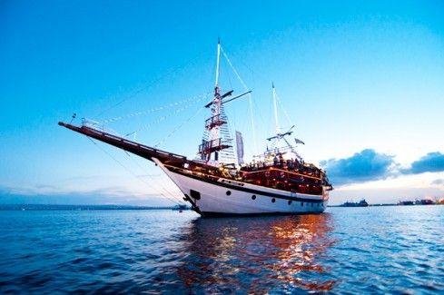 harga tiket Pirates Dinner Cruise - Bali