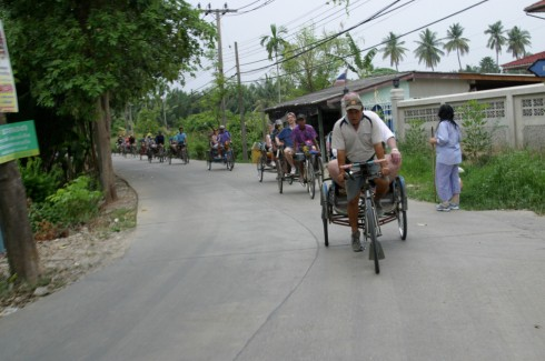 Rickshaw Ride and Hiking Tour in Bangkok