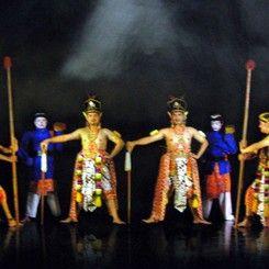 Purawisata Dance Performance Hanoman's Forest Restaurant Wayang Performance
