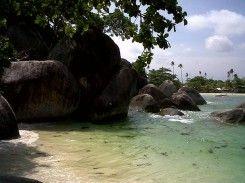 Pantai Tinggian Kolongan