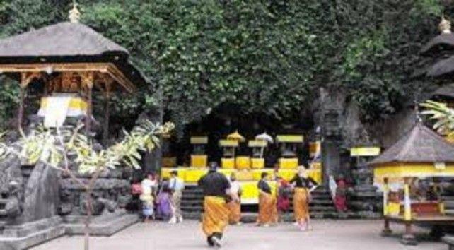 Tour of Besakih, Kertagosa, and Karangasem