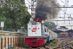 Cirebon Ekspress berangkat dari Jatinegara